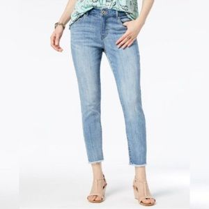NWT Style & Co Skinny Frayed-Cuff Ankle Jeans